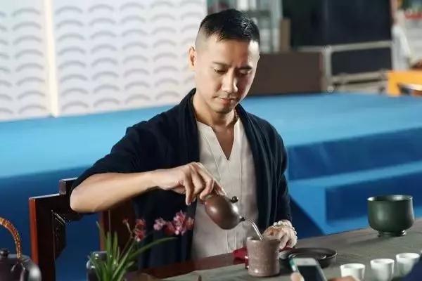 【茶味】那个会泡茶的男人,真帅…