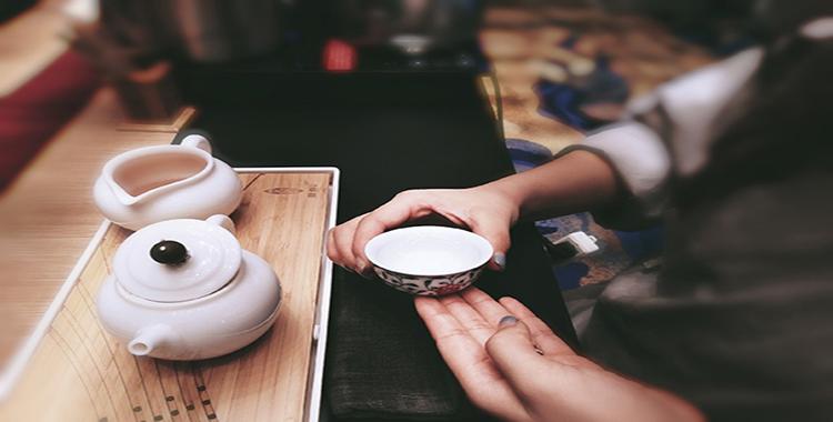 「大连茶艺培训」落雨红尘,茶意清浅