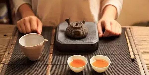 「哈尔滨茶艺培训」当爱上了喝茶,喝着喝着就是一辈子
