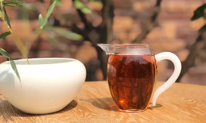 【湛江茶艺培训】今日小年|一杯暖茶小团圆