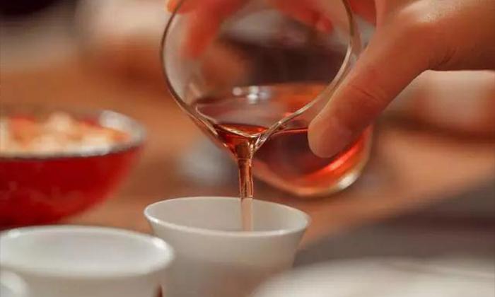 【茂名茶艺培训】抓住四个重点,轻松泡好白茶